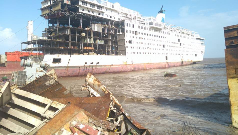 MV Henna beached in India
