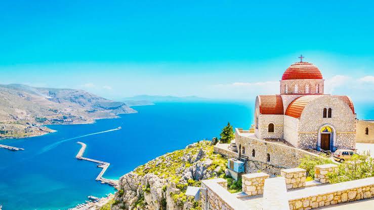 https://cdn2.hubspot.net/hubfs/5873592/itinerary/photos3/Corfu1_Greece_Itinerary_Main.jpeg
