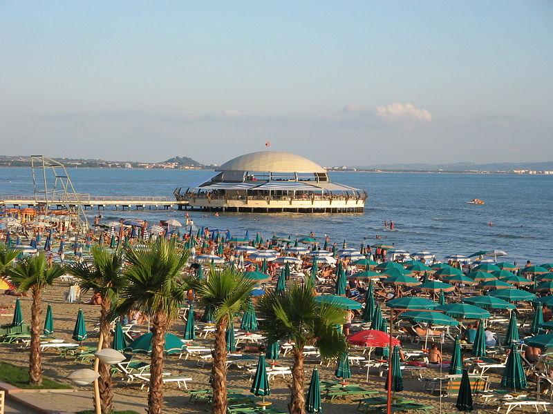 https://cdn2.hubspot.net/hubfs/5873592/itinerary/photos3/Durres1_Albania_Itinerary_Main.jpeg