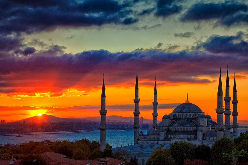https://cdn2.hubspot.net/hubfs/5873592/itinerary/photos3/Istanbul1_Turkey_Itinerary_Main.png