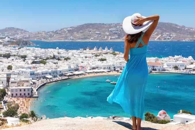 https://cdn2.hubspot.net/hubfs/5873592/itinerary/photos3/Mykonos1_Greece_Itinerary_Main.jpeg
