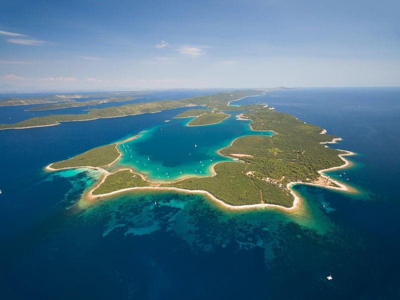 https://cdn2.hubspot.net/hubfs/5873592/itinerary/photos3/SaliIsland1_Croatia_itinerary_Main.jpg
