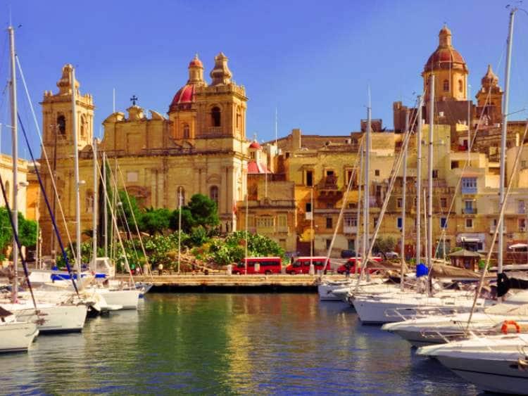https://cdn2.hubspot.net/hubfs/5873592/itinerary/photos3/Valletta1_Malta_Itinerary_Main.jpg