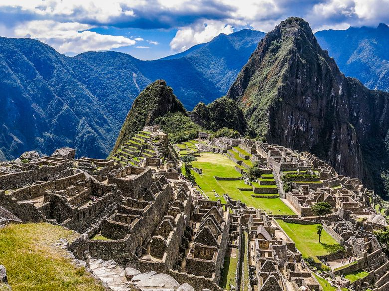 https://cdn2.hubspot.net/hubfs/5873592/itinerary_expedition/MachuPicchu1_Peru_Itinerary_Main.jpg